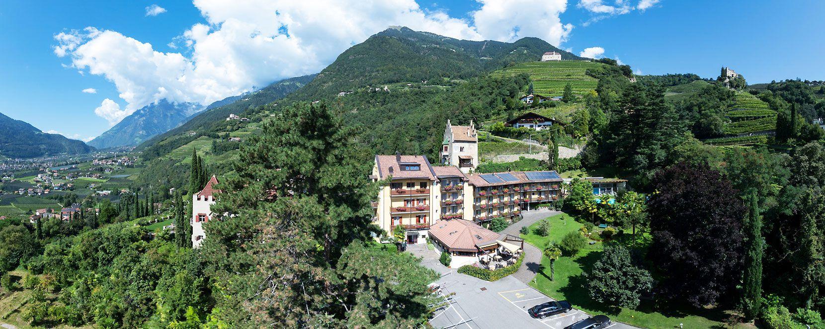 Hotel in dorf tirol hotel thurnergut s dorf tirol meran for Design hotel dorf tirol